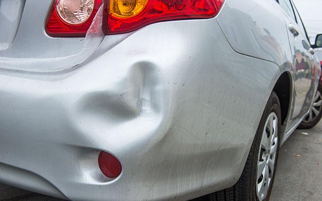 車を凹ませた時の『応急処置』 実はとても簡単だった