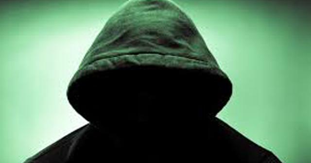 【閲覧注意】深夜の恐怖体験。開けたら最後、ゾッとする訪問者の正体に寒気が・・・