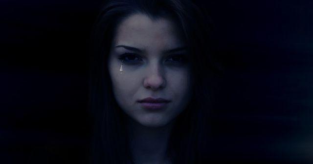【閲覧注意!】 夜中に突然、私の前に現れた謎の女性