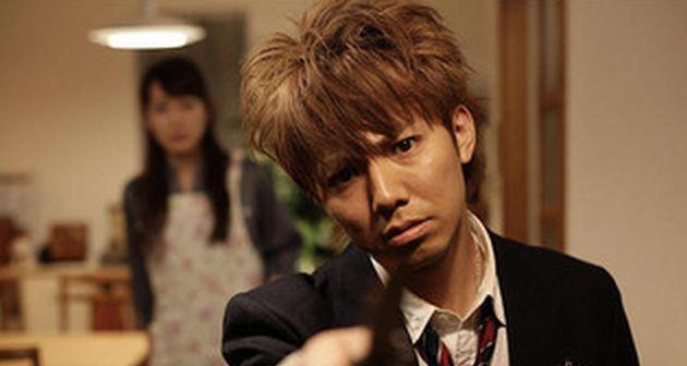 【衝撃】学生DQN、ラーメン屋でイキがって足元のカピバラさん付カバンフルコンボ!!!→DQNフルコンボwwww