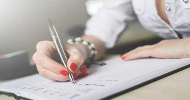 女子大生のリアル。NHKが手帳を撮影したら「いっぱい◯◯して…」生々しく書いてあって