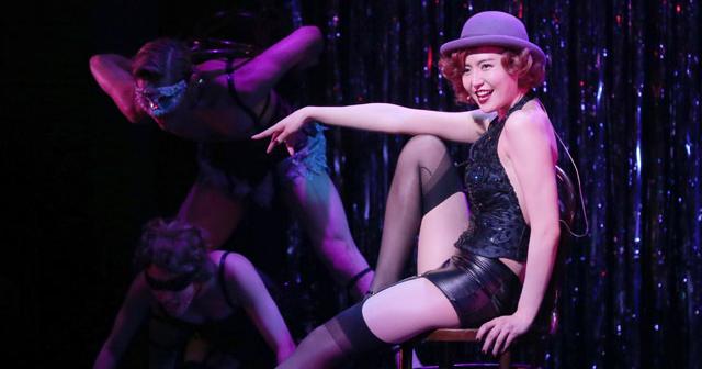 【大胆すぎる演技でさらに魅了】長澤まさみ、セクシー衣装で観客を悩殺。