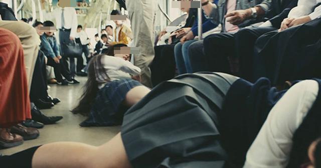 【おっとりして少し天然な部下が】「めざわりー」はあなたたちです。電車内で迷惑をかける女子高生に言い放った女性部下の行動が凄すぎた