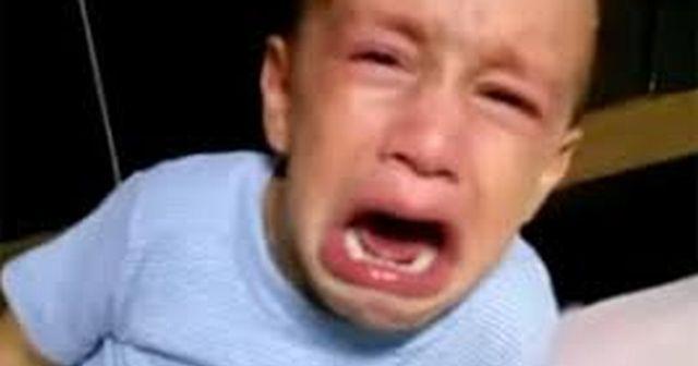 【温厚な旦那が豹変】息子が自販機に言って数秒後突然大泣き⇨旦那「息子つれて遠くへ行け!それから警察呼べ!」一体なにが・・・