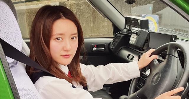美人すぎるタクシー運転手・生田佳那。白い肌に溢れる・・スタイル抜群の着姿が話題にw