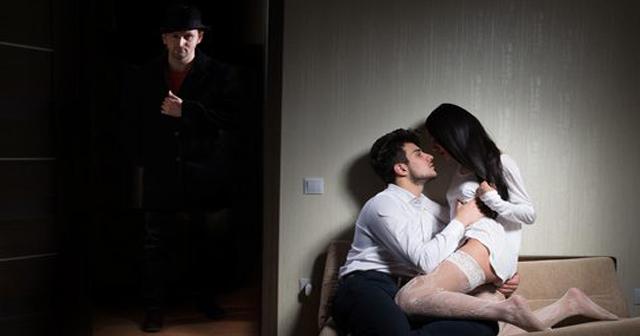 【実は簡単に見破れる浮気】こんな行動で浮気はバレる。男だけじゃなく女も分かりやすいもの?
