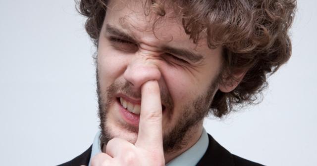 鼻くそを食べると健康?その衝撃の科学的理由に鼻くそを食べる時代が到来するらしい