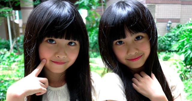 【可愛いキュン動画あり】かつて世界を悶絶キュンさせた「チューをする双子の幼児」が美少女に成長していたと話題!!