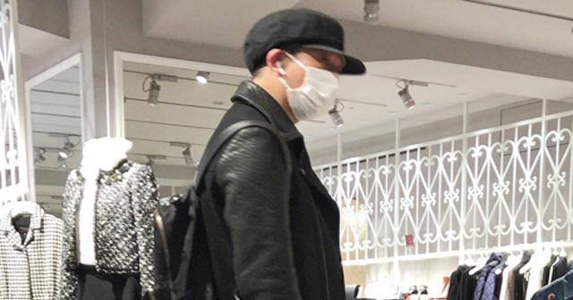サバンナ高橋茂雄、浮気疑惑発覚か?元日のデパートで女性物カーディガンを購入