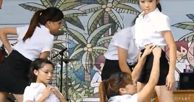 【動画あり】女子校生『文化祭のダンス』がセクシー過ぎてヌケるwwwwwwww