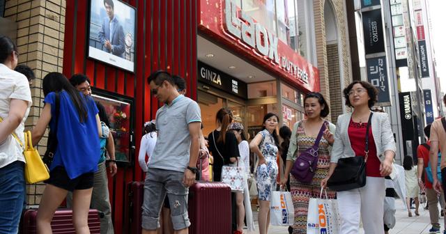 【なぜ?意外】東京2位、京都は33位。外国人旅行者がお金を落とす県ランキング