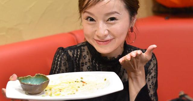 鈴木亜美は人間超え!?タバスコは24本入りを箱買い?激辛すぎて誓約書が必要な「伝説のハバネロチヂミ」を涼しい顔で食べる