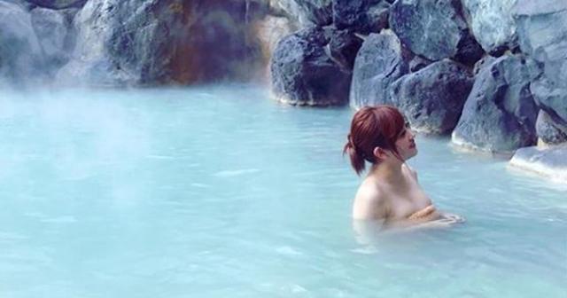 """菊地亜美""""ポロリ""""Instagramで「え、出てますやん!!」あざとい入浴ショット披露で大炎上!"""