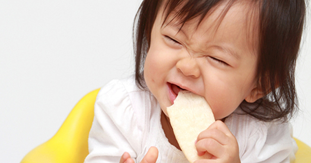 """一歩間違うと危ない?興味本位で食べると怪我をする北九州名物""""堅パン""""とは!?"""