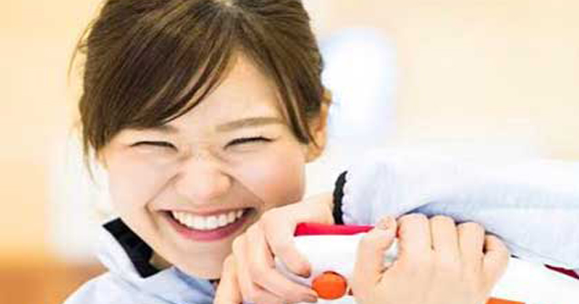 【Twitter大混乱】カーリング女子・吉田知那美「にっこにっこにー」を繰り出すに衝撃の事実判明wwwwww