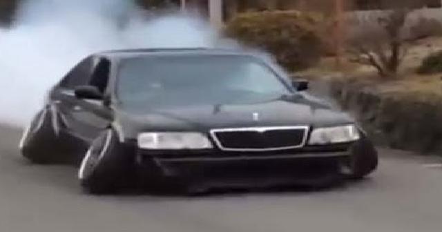 【スカッと!】シャコタンDQN車が煽ってきたので罠を仕掛けた結果www