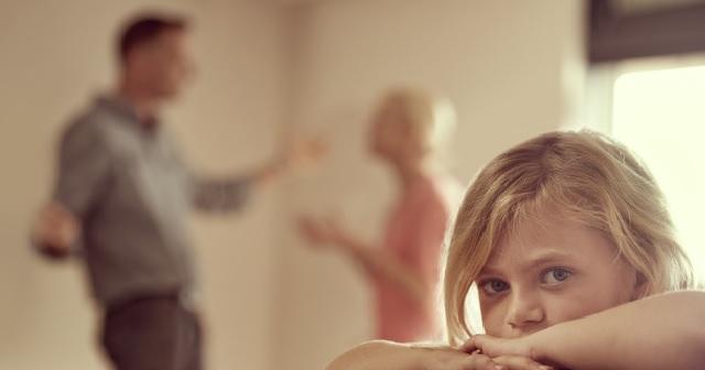 【衝撃!】兄嫁が強引に託児してった姪を風呂に入れたら、全身アザだらけでアバラが浮いてた!私「両親に連絡だ…」→結果・・・