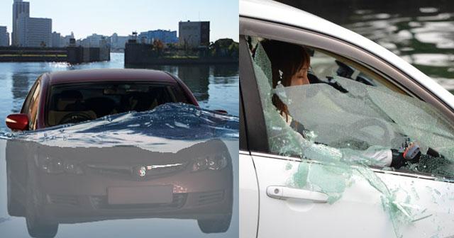 【頼もしい母!】事故で車が川に転落して、あっという間に水没した。水圧でドアが開かなくなり、大パニックに!その時、助手席の母が靴下を脱ぎだし…